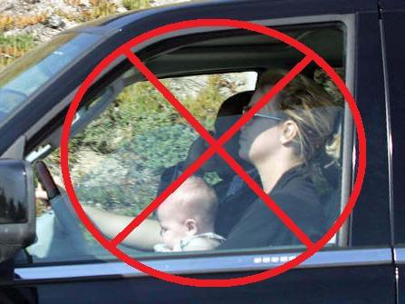 birtney-spears-driving-with-baby1